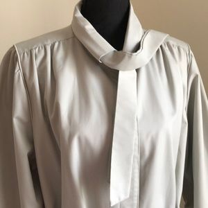 Vintage London Fog light coloured raincoat
